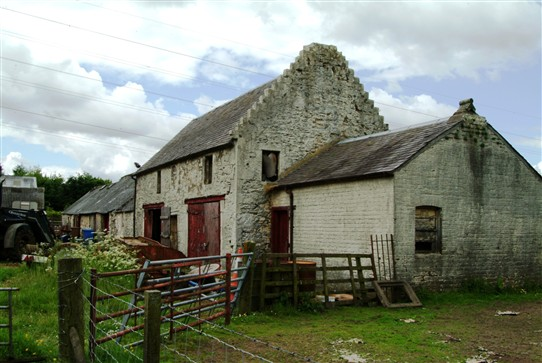 Photo:Addiewell Farm.  The two-storey part was probably the original farmhouse.