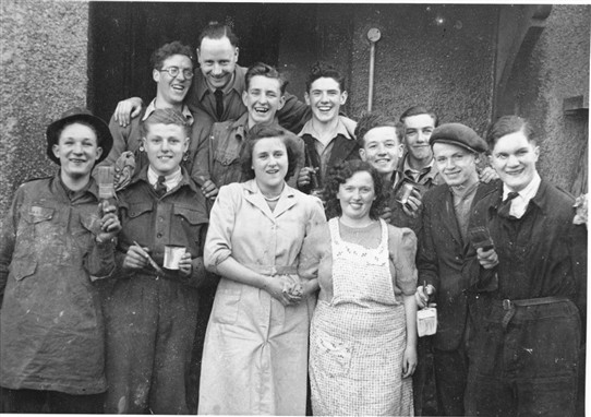 Photo:Addiewell Parish Church Youth Fellowship, June 1950.  David Pennykidd kindly provided the names:  Front (L-R): Pete Gray, Stanley McDonald, Mary Clarkshon, Ann Gibson (?), Hughie McDonald, Dick Gray.  Middle row (L-R): Walter Douglas,  - Porter,  - Gibson, Alec Young, Andrew Pennykid.  Back: Willie Ravie.