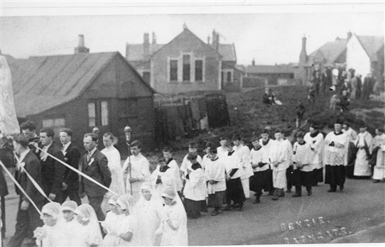Photo:May Procession - but what's the building on the left?