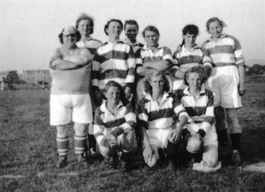 Photo:A Stoneyburn ladies' football team at Loganlea Gala Day, 1940s/50s?