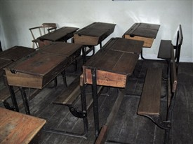 Photo:Desks similar to the ones we used